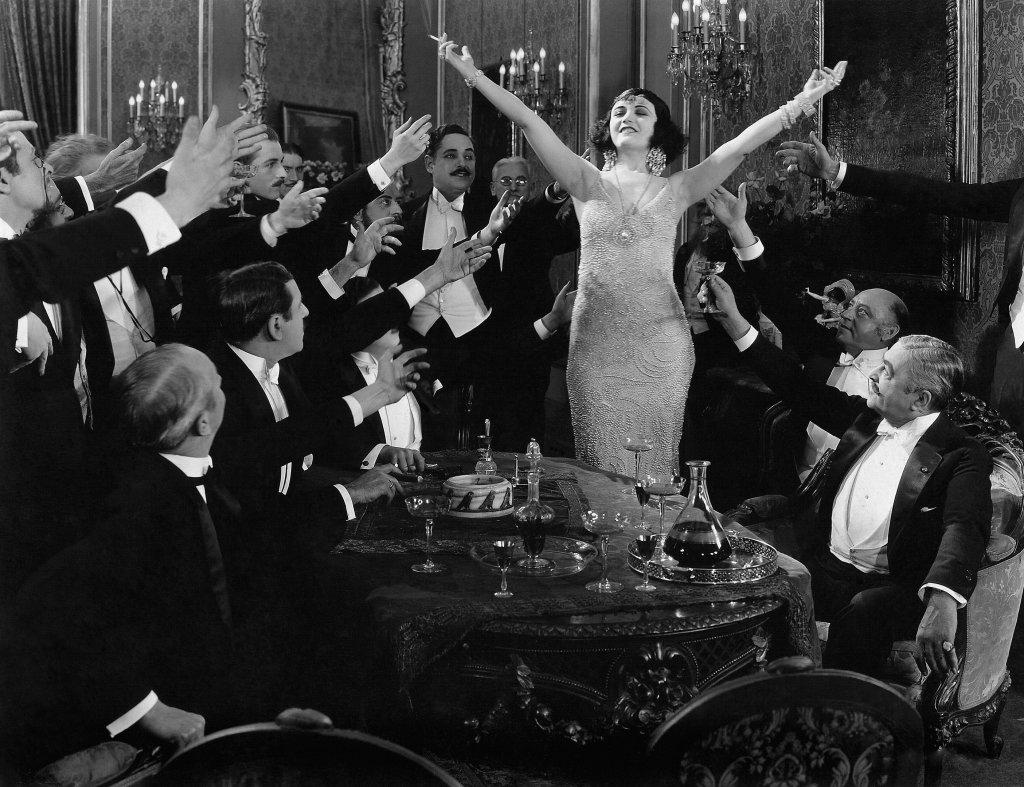"""Пола Негри, возможно, что фильм называется """"Men""""(1924), Режиссёр точно — Буховецкий Дмитрий Савельевич"""