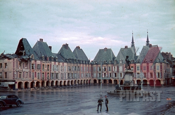 stock-photo-destroyed-buildings-at-the-ducale-square-in-charlevillemezieres-france-1940-10871.jpg