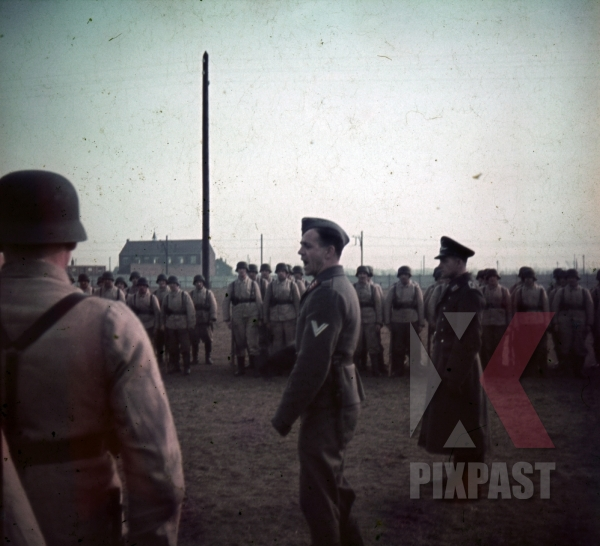 stock-photo-german-luftwaffe-flak-aa-parade-inspection-near-paris-france-1940-anti-aircraft-9686.jpg