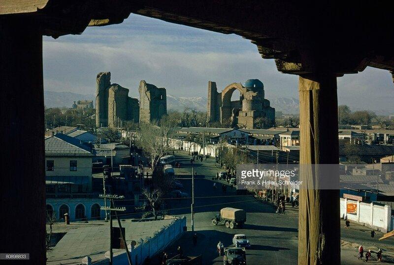 1968 Samarkand by Frank & Helen Schreider. National Geographic.jpg