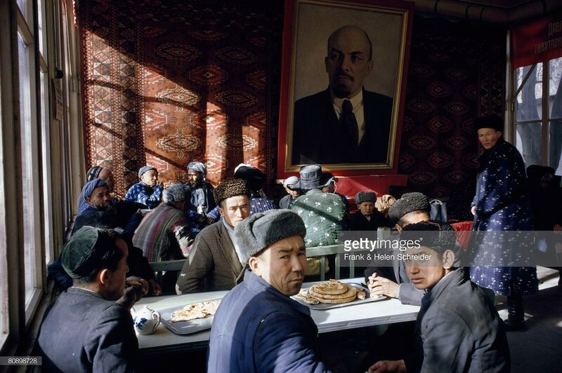 1968 Workmen gather in a teahouse for a noon meal, Samarkand by Frank & Helen Schreider. National Geographic.jpg