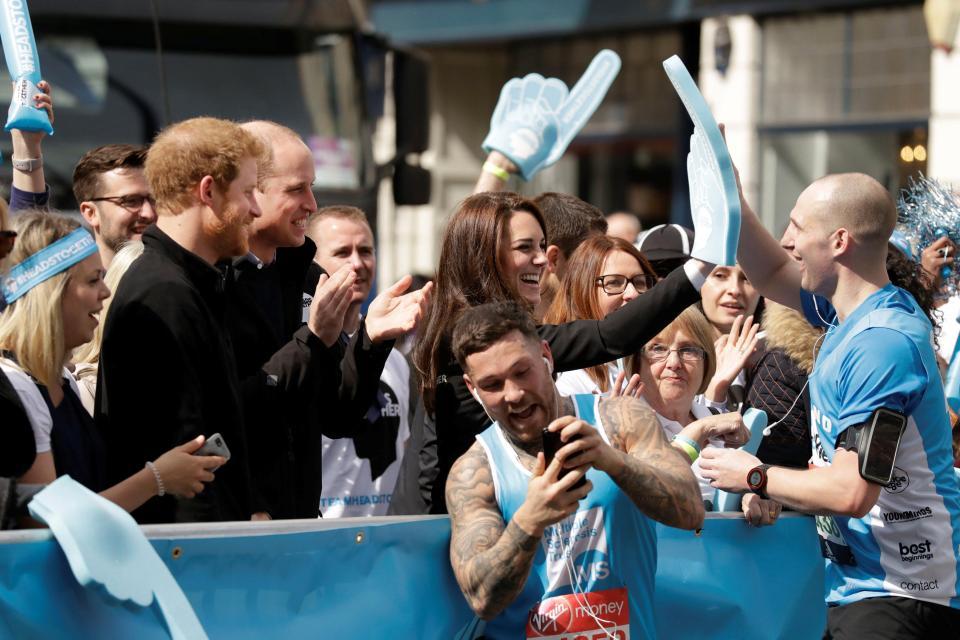 Причудливые наряды участников Лондонского марафона