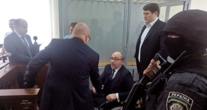 Суд над Кернесом допросил восемь свидетелей ивзял перерыв