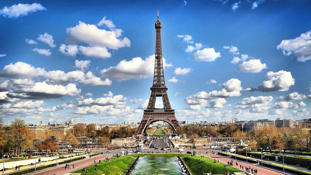 отдых в мае в париже