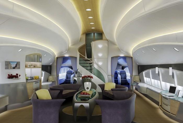 10. «Боинг-747-8 VIP» ценой 150 млн долларов принадлежит Джозефу Лау из Гонконга и примечателен тем,