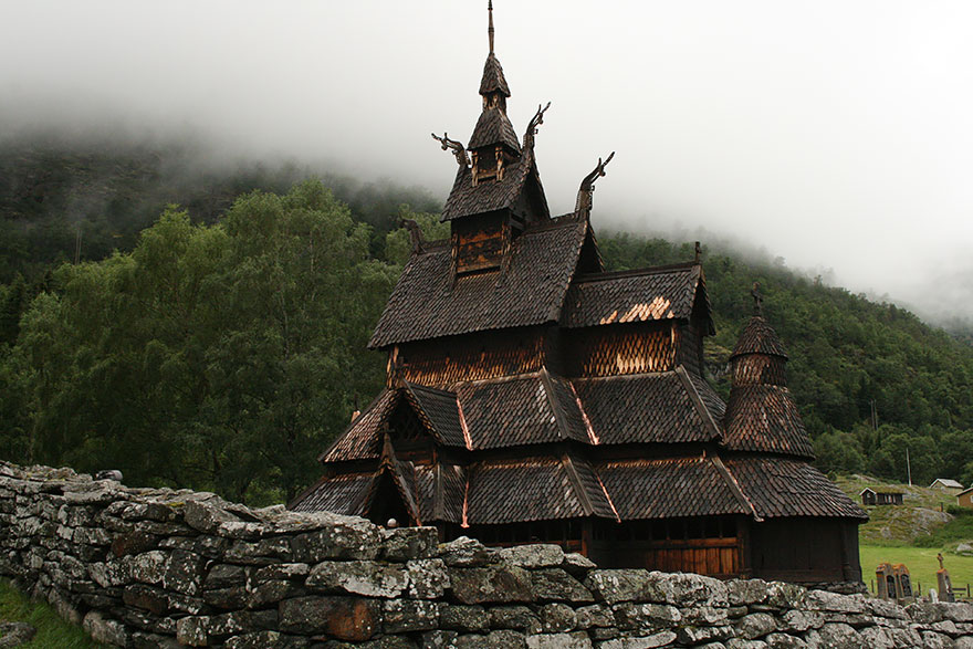 22. Деревянная церковь Боргунд в Лэрдале