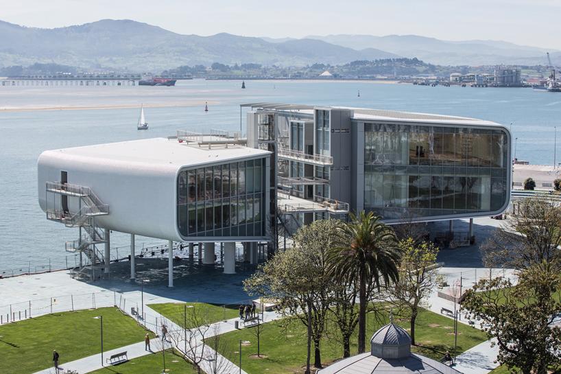 Культурный центр в Испании от Renzo Piano (7 фото)