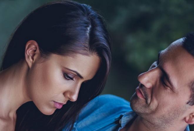 Сложно понять, какими чувствами ведом мужчина. Но вот 5 признаков того, что вы не занимаете первое м