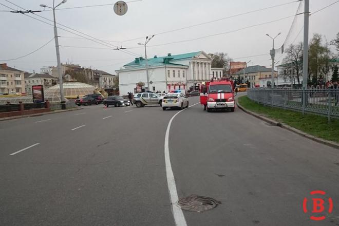 Активисты заблокировали горсовет иугрожают перекрытием улицы— Протесты вПолтаве