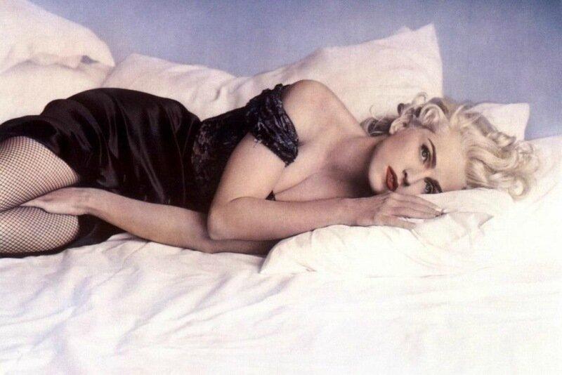 Откровенные истории о том, как знаменитости потеряли девственность