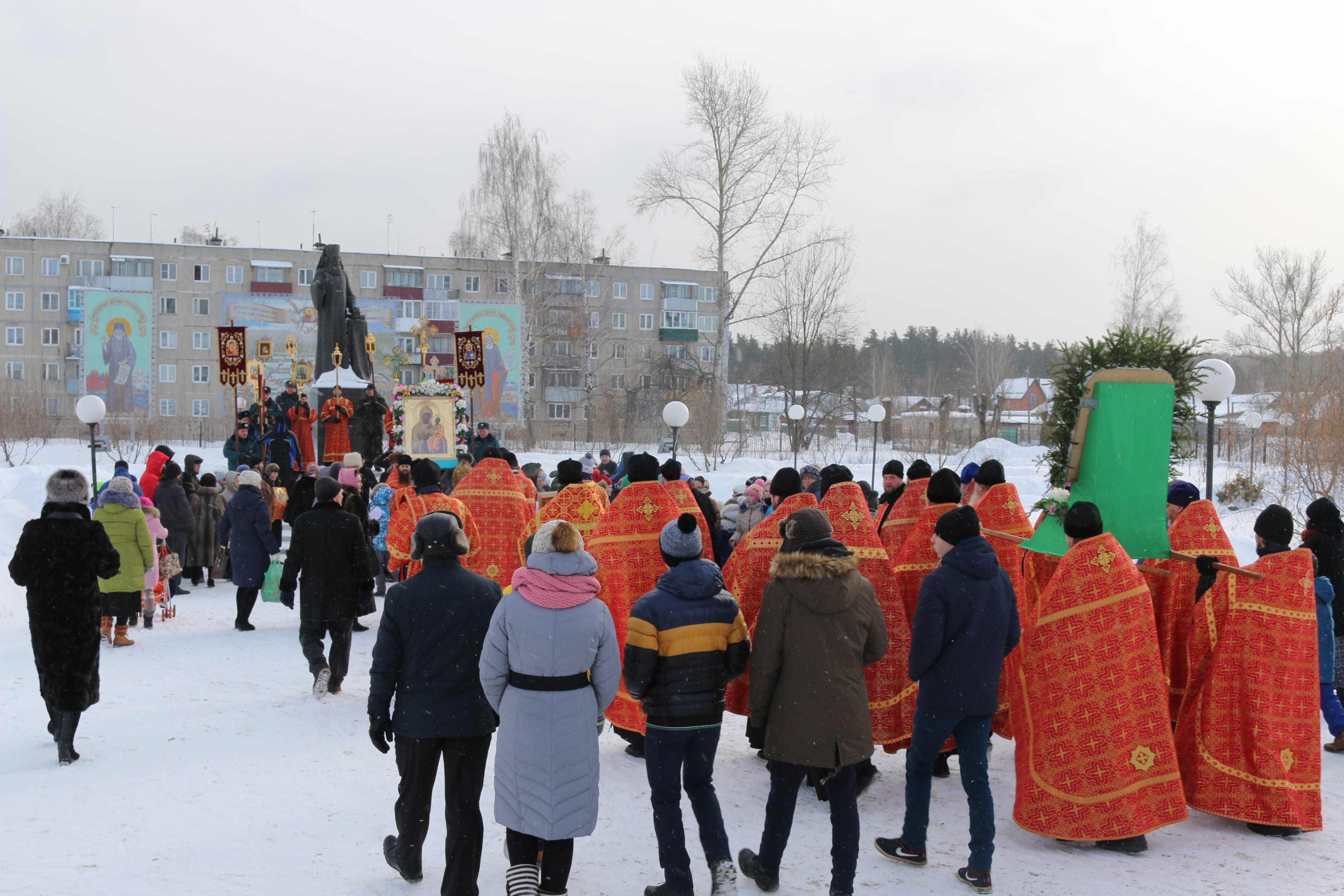 Крестный ход в день памяти новомучеников и исповедников Церкви Русской прошел в Выксе-29