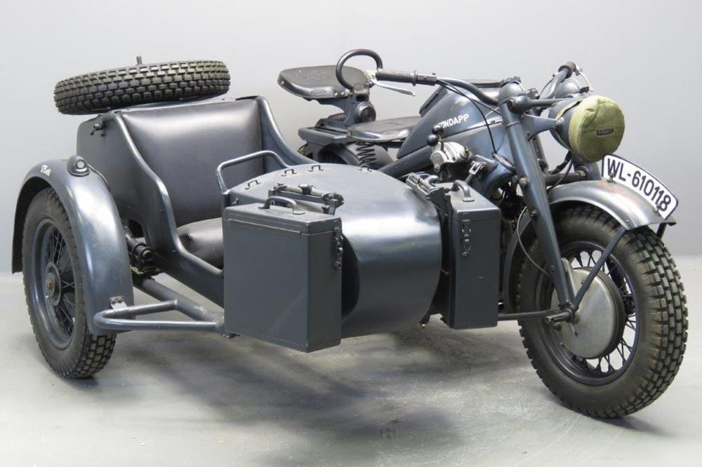 Старинный мотоцикл Zundapp KS750 1941