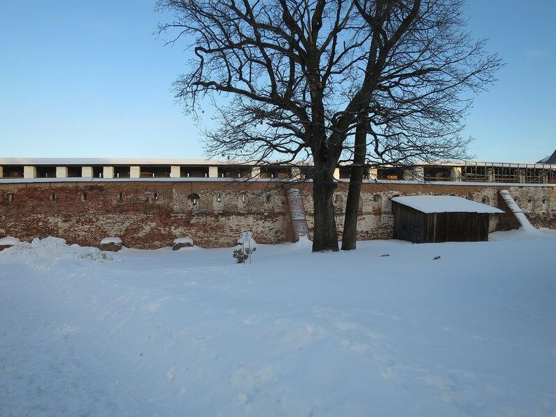 Кирилло-Белозерский монастырь. Юго-западная стена Успенского монастыря
