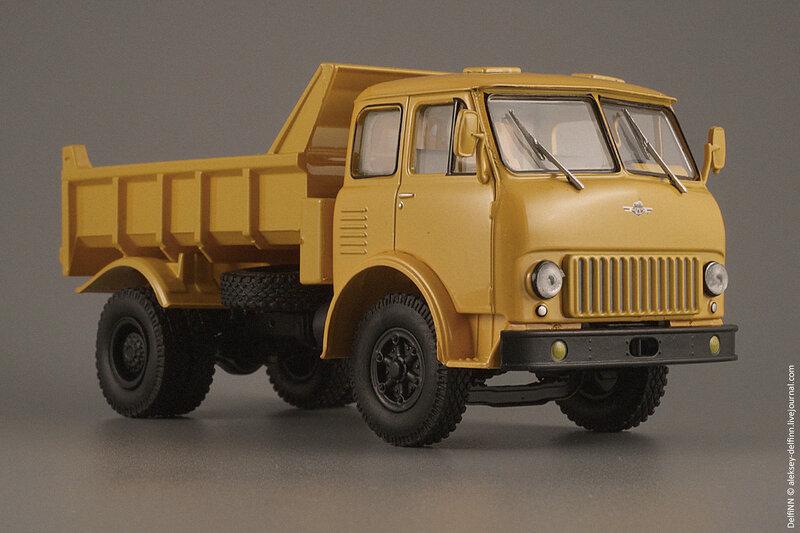 МАЗ-503Б-08.jpg