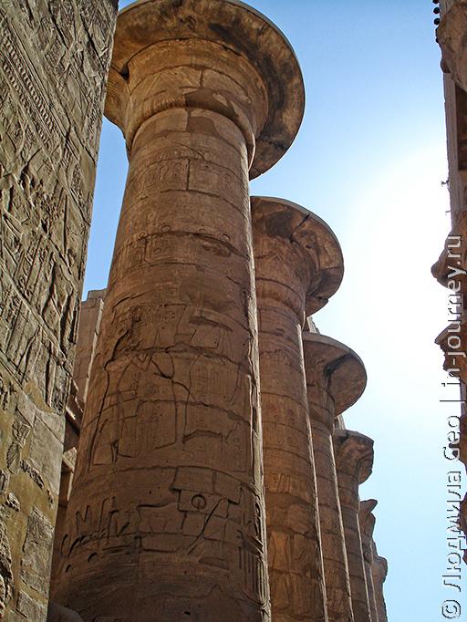 Карнак храм колоннада