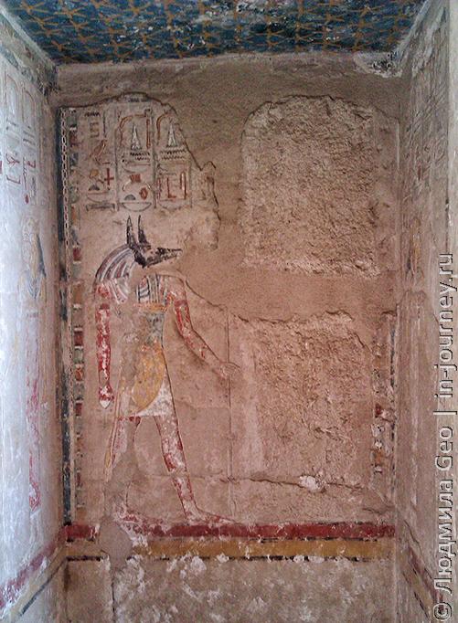 сохранность росписи стен храма Хатшепсут
