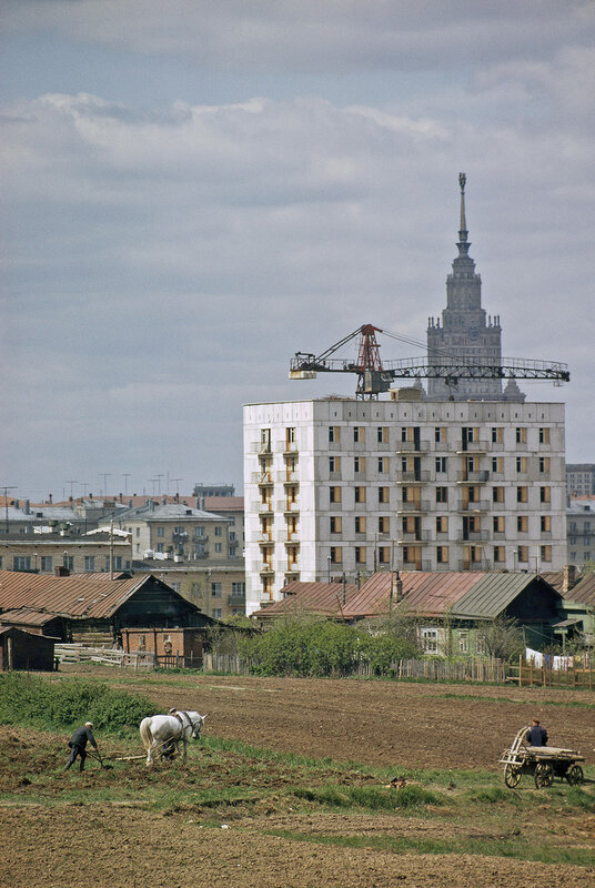 1965 Строительство 9-этажки на окраине села Семеновское, (район ул. Власова).jpg