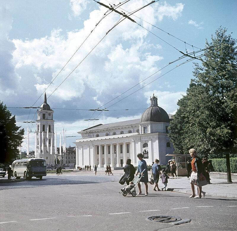 1967 Площадь Гедиминаса в Вильнюсе. З.Казенас. РИА Новости.jpg