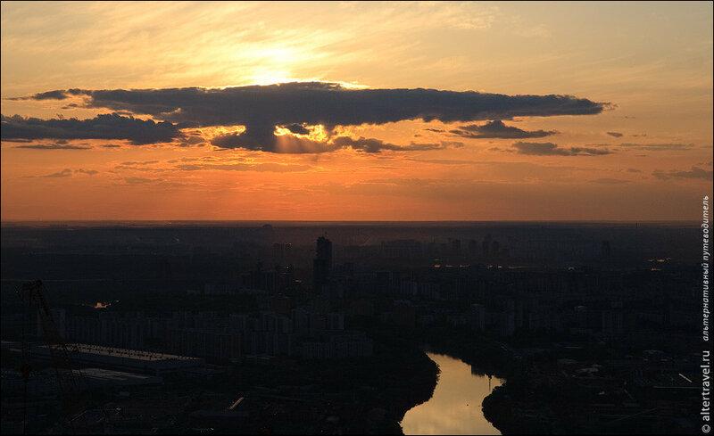 Солнце приближается к горизонту