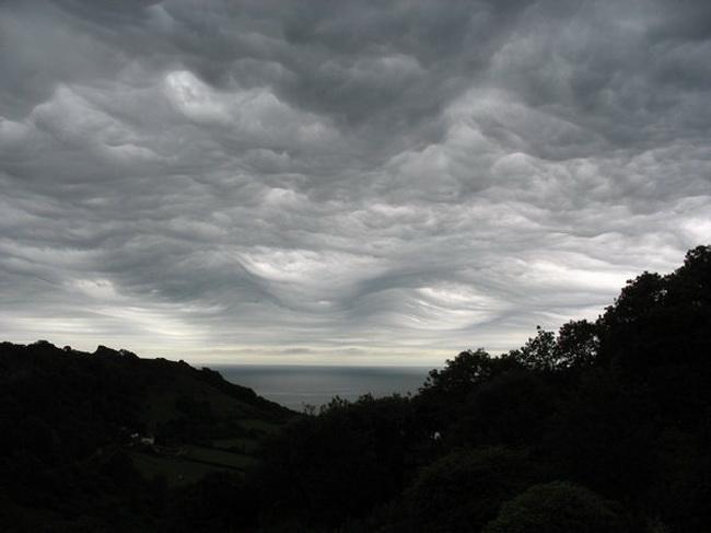 Undulatus Asperatus - дьявольские облака