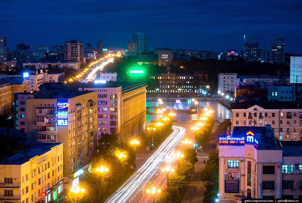 19. На месте современной площади Ленина раньше находилось кладбище, затем – воинский плац. Была