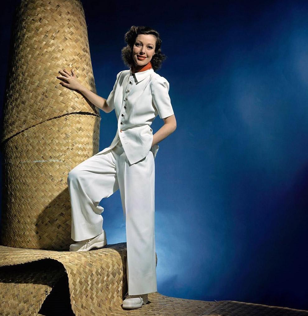 7. Модель в лыжном костюме. Январский выпуск журнала Vogue. Фото Тони Фриссел, 1941 год.