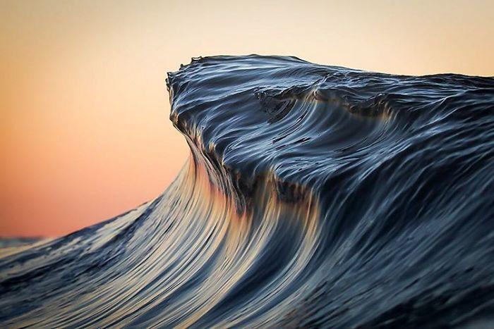 Море как горы. Фотограф Lloyd Meudell (10 фото)