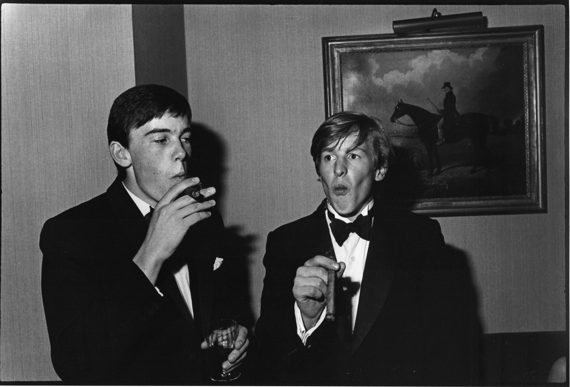 Уилльям Нотт и Эдвард Хоар на танцевальной вечеринке в частном клубе «Будлс», Лондон, 1981 год. Здес
