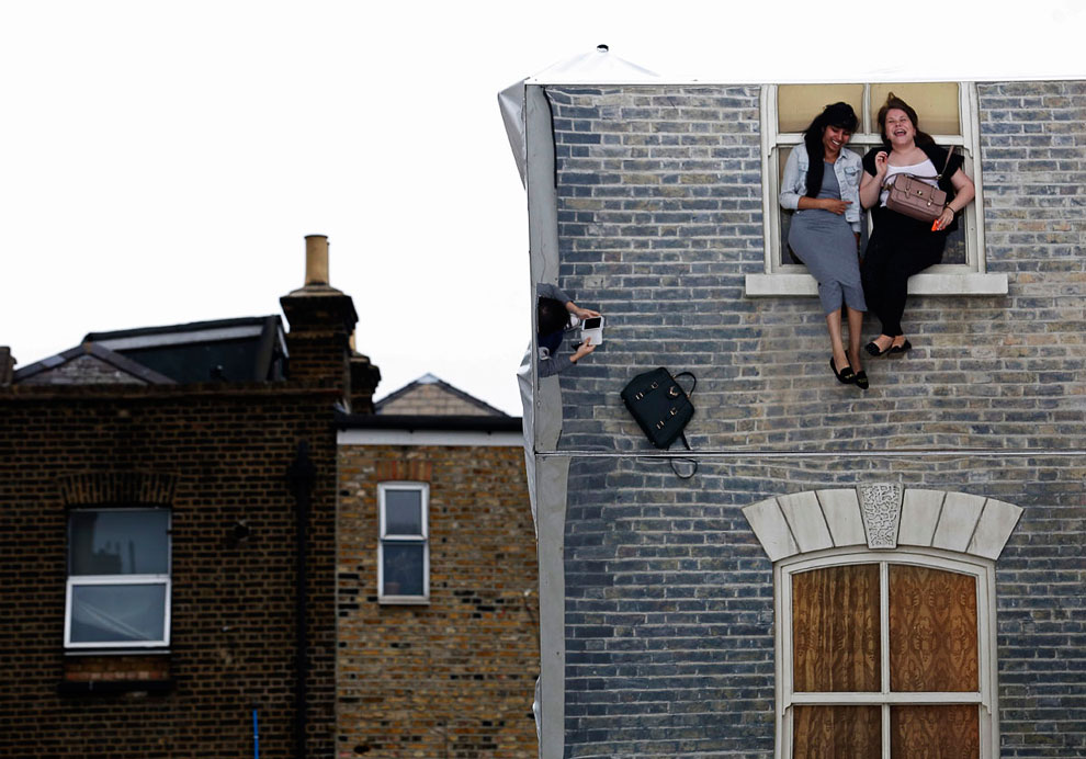 Иллюзия от уличных артистов: