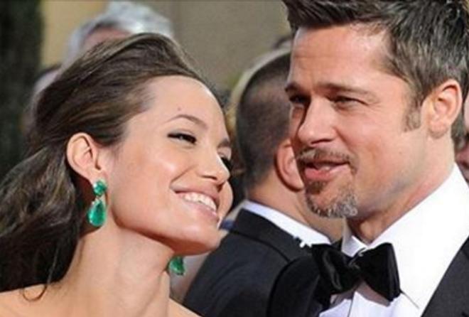 Инсайдер поведал, что Джоли и Питт передумали расставаться и собираются вновь соединиться и начать р