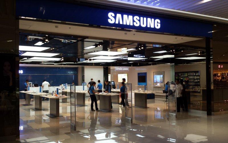 Основную долю телефонов на рынке Российской Федерации занимает Самсунг