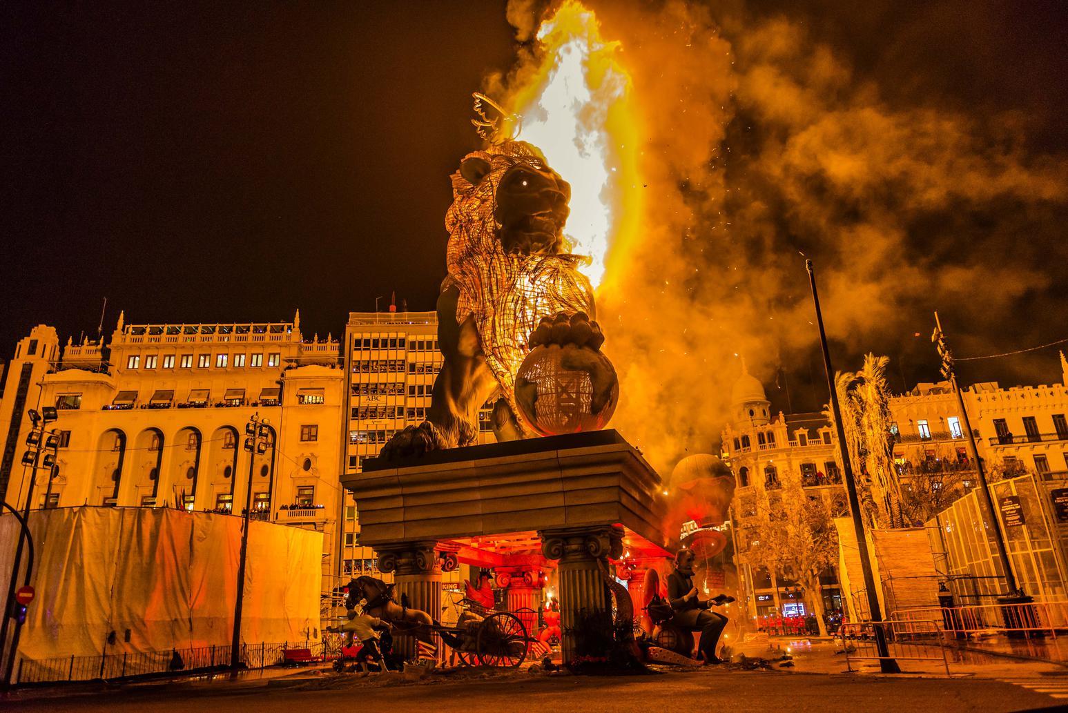 EJ2BEC Valencia, Spain. 20th Mar, 2015. The municipal falla monument 'la Fuerza' by artist Man