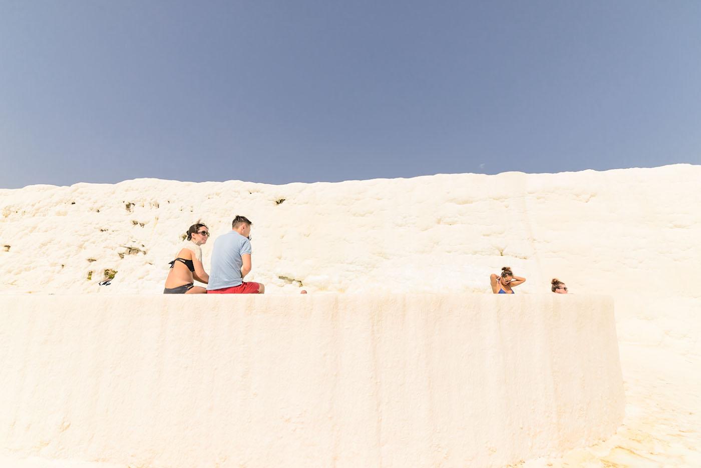 Фотография 12. Как они переносят жару без головного убора, не представляю? Отзывы об экскурсии в Памуккале самостоятельно. Природные достопримечательности Турции. 1/200, 0.67, 8.0, 500, 14.
