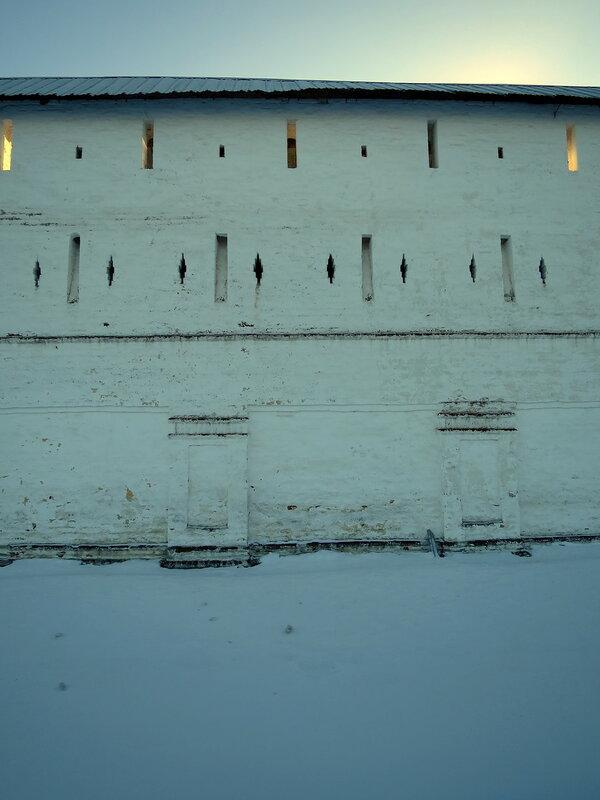 Спасо-Прилуцкий монастырь. Фрагмент северо-западной стены