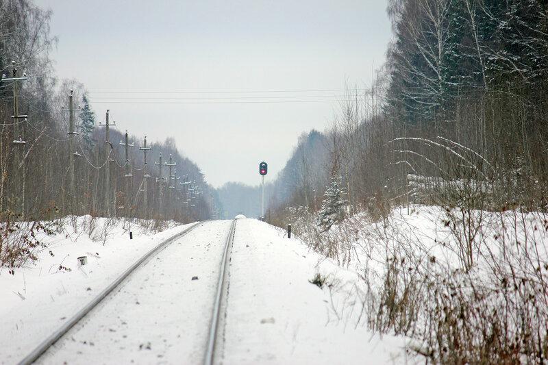 Проходной светофор номер 18 перегоне Высокое - Льняная, вид на Торжок