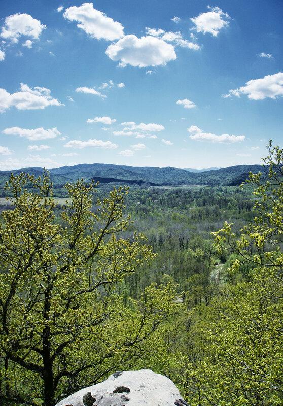 Долина псекупса со смотровой над Фонарскими скалами