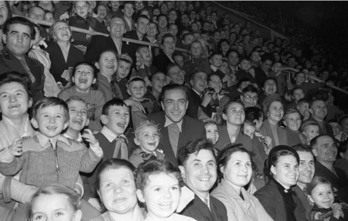 1958. Новогоднее представление «Ёлка дружбы» во Дворце спорта в Лужниках