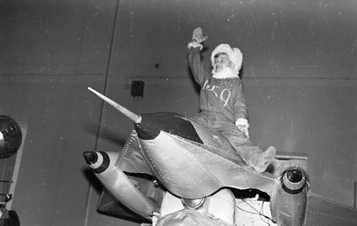 1958. Фрагмент новогоднего представления «Елка дружбы» во Дворце спорта в Лужниках