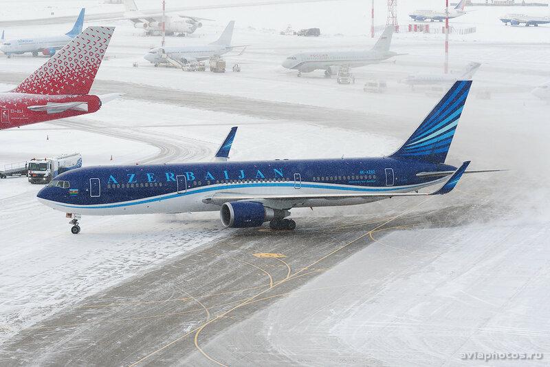 Boeing 767-32L/ER (4K-AZ82) AZAL - Azerbaijan Airlines 077_D707025