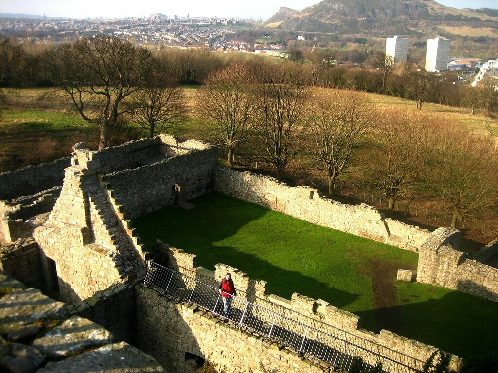 Craigmillar.Castle.original.25081.jpg