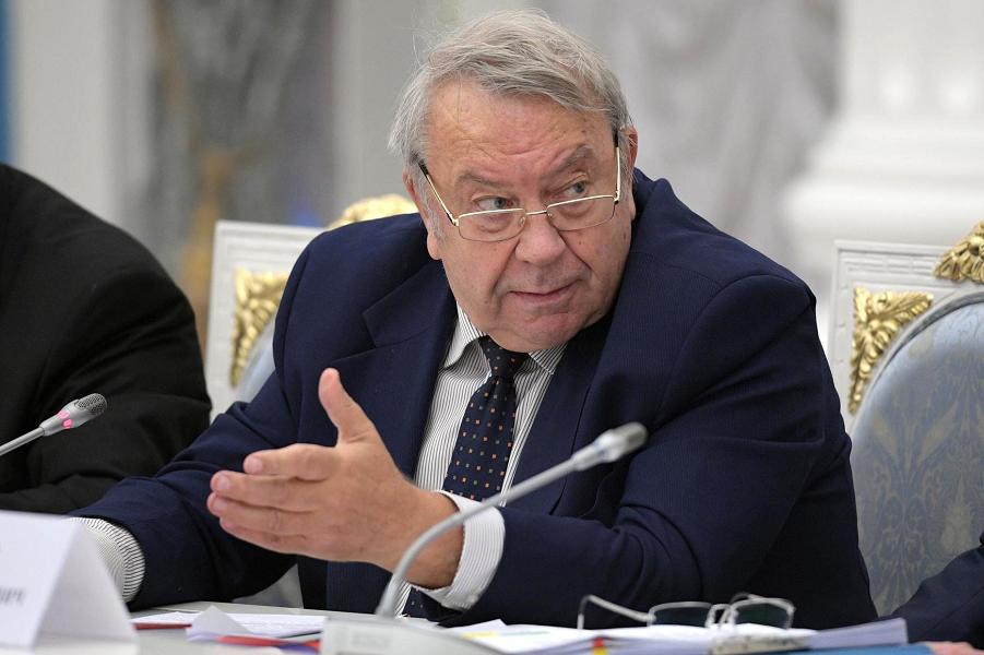 Фортов отвечает Путину за новых академиков на Совете по науке и образованию 23.11.16.png