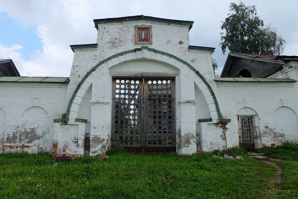 Горицкий Воскресенский монастырь в Вологодской области, ворота