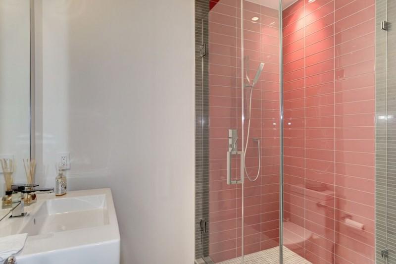 И еще одна ванная — всего их в доме семь.