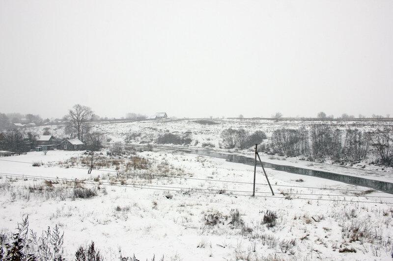 Река Вазуза с насыпи ЖД перегона Сычёвка - Новодугинская, вид на восток