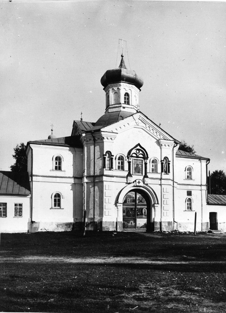 Надвратная церковь свт. Филиппа