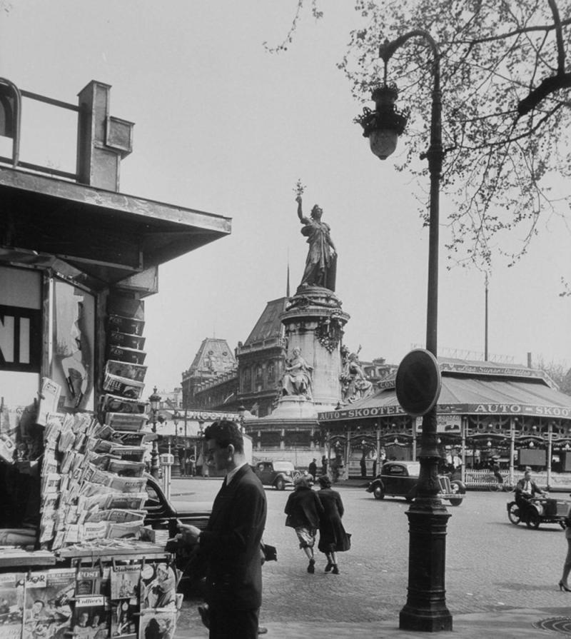 1951. Площадь Республики, Париж