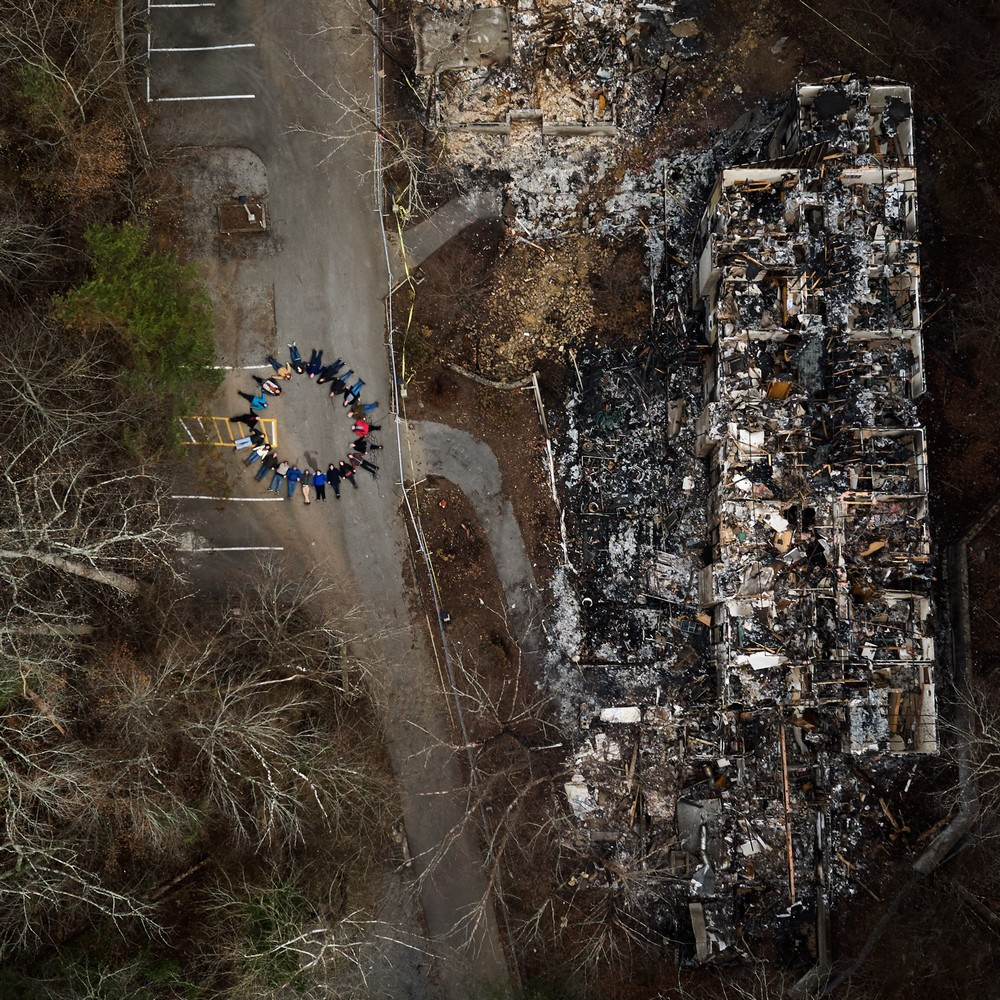 Американцы на месте своих сгоревших домов