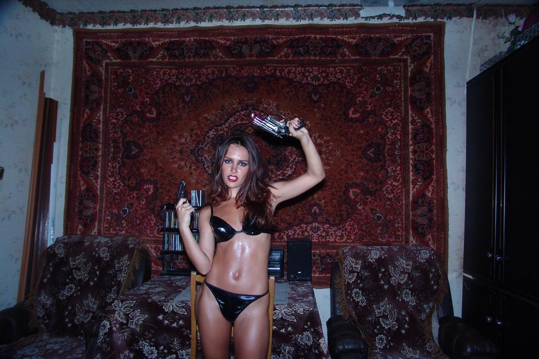 Украинская девушка в фотопроекте Полины Карповой «Секси раритет»