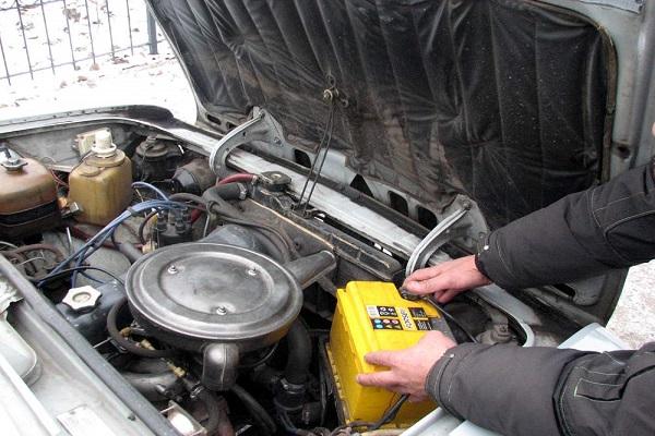 Жителя Ростовской области задержали за 15 краж из автомобилей