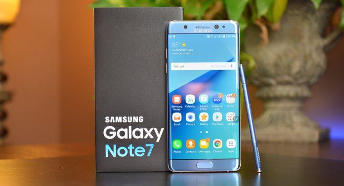 Скругленные углы Самсунг Galaxy S8 ослабили его позиции